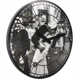 Kiss Me In New York Wall Clock 39.5cm